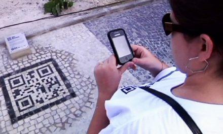 Códigos QR en forma de mosaico adornan Río de Janeiro