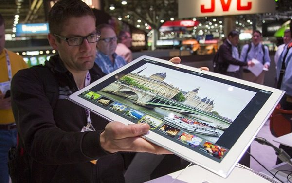 Microsoft y Panasonic exhiben tablet de 20 pulgadas con Windows 8
