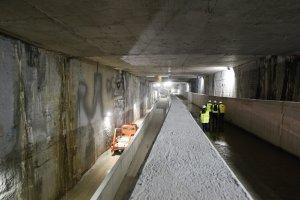 El metro sale del túnel